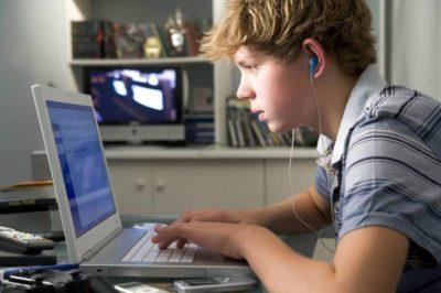 Mi hijo está enganchado a Internet