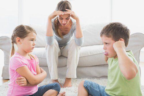 padres discutiendo